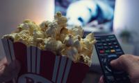 10 séries ou films Netflix pour voyager de chez soi