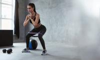 6 exercices de fitness faciles à faire chez soi pour garder la forme