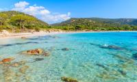 6 façons de voyager en Corse depuis chez soi