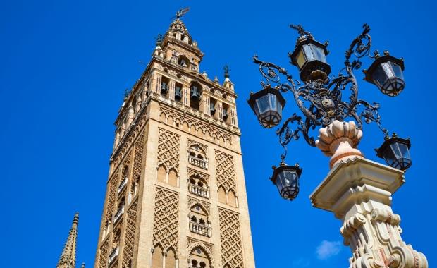 Séville : week-end 3j/2n en hôtel central + petits-déjeuners + vols