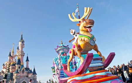 Disneyland Paris reste ouvert pour les vacances de Noël !