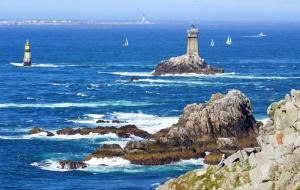 Bretagne, nuits insolites : week-ends 2j/1n ou plus en roulotte, cabane, yourte, tipi...