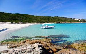 Corse : 2j/1n en hôtels/maisons d'hôtes très bien notés + petit-déjeuner, dispos ponts de novembre