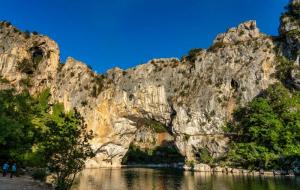Ardèche : locations avec piscine, 1 à 7 nuits entre particuliers, dispos Toussaint