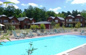 Val de Loire : location 8j/7n en chalet 4 à 6 pers., avec piscine - Remboursement garanti
