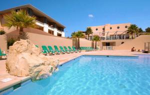 Côte d'Azur, juillet & août : location 8j/7n en résidence proche plage + piscine, - 32%