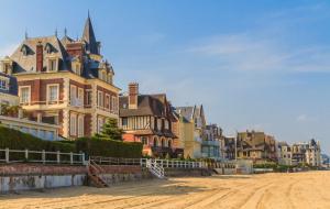 Trouville : vente flash, week-end 2j/1n en hôtel 4* front de mer + petit-déjeuner, - 58%
