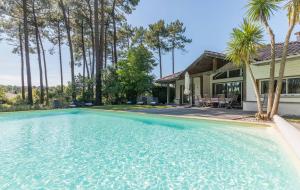 Locations, été : 8j/7n en résidence avec piscine, jusqu'à - 60%
