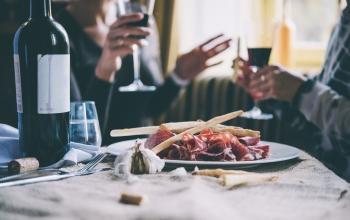 Réservez un resto grâce à Airbnb !