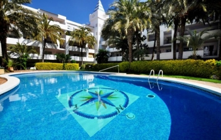 Rosas, Costa Brava : location 8j/7n en appartements, dispos juillet & août