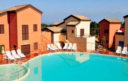 Corse, proche Île Rousse : vente flash, 8j/7n en résidence 3*, jusqu'à - 56%