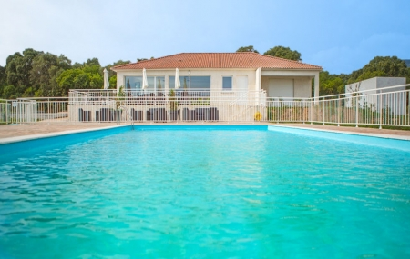 Corse, proche Bastia : vente flash, 8j/7n en résidence 3* + piscine, dispos printemps/été