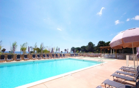 Corse : vente flash, location 8j/7n en résidence + piscine, en bord de mer,- 49%
