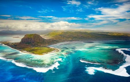 Île Maurice  : séjour 9j/7n en hôtel bord de mer + demi-pension + vols