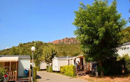 Côte d'Azur : vente flash, 8j/7n en camping 4* à 600 m de la plage + club enfants