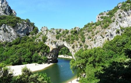 Ardèche : location 8j/7n en village P&V + parc aquatique & espace détente, - 20%