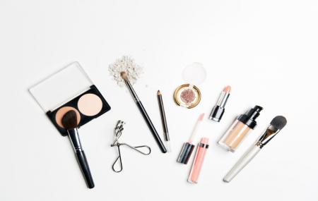 Ventes flash sur de nombreuses marques de beauté, jusqu'à - 80%
