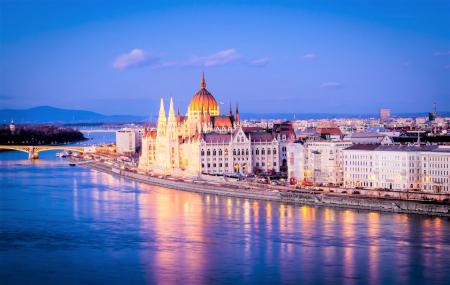 Week-ends St-Valentin : 4j/3n, vols + hôtel, Budapest, Lisbonne, Vienne, Séville...