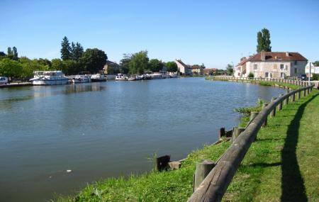 Printemps/été : locations bateaux sans permis, 1 jour ou plus, Canal du Midi, Bourgogne...