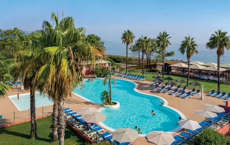 Méditerranée : locations été 8j/7n en club Belambra + pension selon offres, - 20%