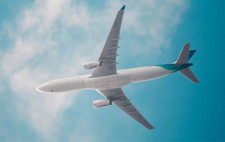 Amériques & Antilles :  vols A/R vers New York, Montréal, Guadeloupe, Martinique...
