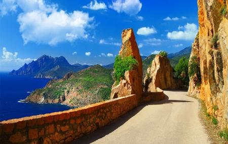 Corse : autotour 8j/7n en hôtels 3* & 4* + petit-déjeuner & vols inclus