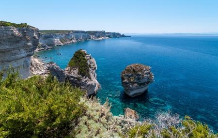Corse du Sud : location 8j/7n en résidence à 30 m d'une plage de sable