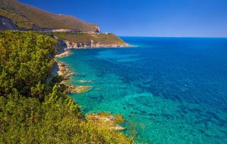 Corse, proche Calvi : vente flash, location 8j/7n en résidence avec piscine, - 38%