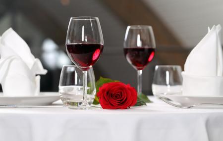 Week-end avec dîner romantique : 2j/1n en hôtel + petit-déjeuner, Normandie, Provence, Picardie...  - 37%