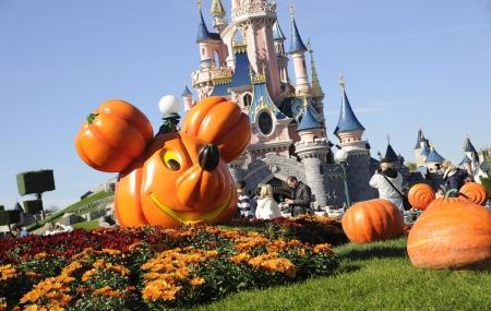Disneyland® Paris Halloween & Noël : 1 nuits ou + en hôtels + 2 parcs, offert aux - 12 ans, - 35%