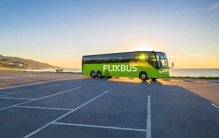 Bus vers la plage : billets vers Biarritz, Deauville, La Rochelle, Nice, St-Malo...