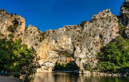 Ardèche : locations avec piscine, 1 à 7 nuits entre particuliers, dispos été indien