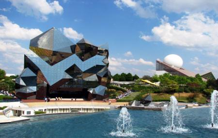 Futuroscope, Parc Astérix... : 2j/1n en hôtels + petit-déjeuner + entrée au parc