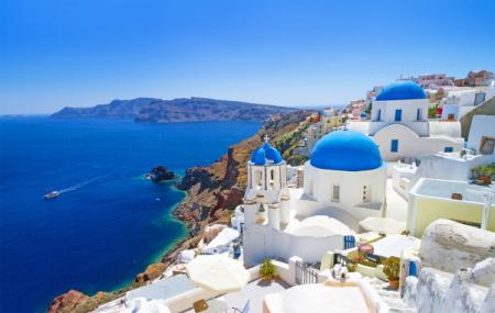 Santorin : séjour 8j/7n en hôtel 4*, petits-déjeuners + vols & loc. de voiture