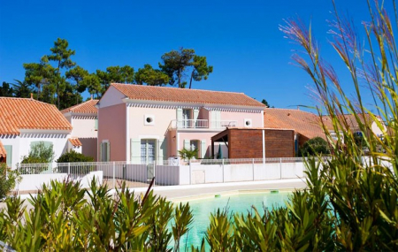 Maisons et villas, été : ventes flash, locations 8j/7n en maison, piscine, - 65%
