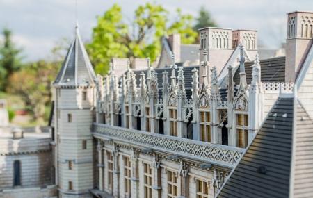 Val de Loire : week-end 2j/1n en appart'hôtel 3* & parc mini-châteaux, dispos ponts de mai, - 35%