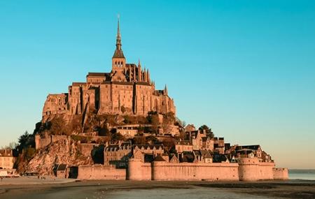 Baie du Mont-St-Michel : 2j/1n en yourte + petit-déjeuner & visite Abbaye, dispos ponts de mai, - 22%