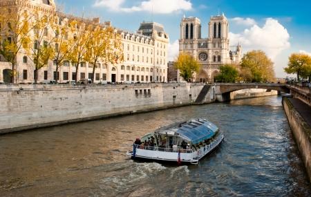 Paris : week-end 2j/1n, hôtel + petit-déjeuner + croisière en bateau sur la Seine