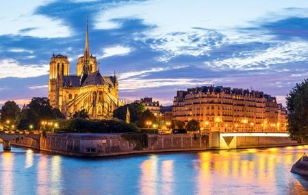 Paris romantique : 2j/1n en hôtels 3 à 5* + petit-déjeuner & balade sur la Seine, - 57%
