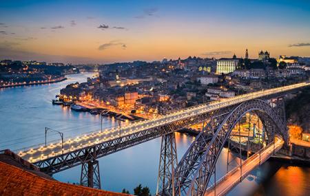 Porto : week-end 3j/2n en hôtel 3* + petits-déjeuners + croisiere + excursions, - 73%
