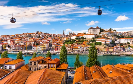 Porto : week-end 3j/2n en hôtel central + petits-déjeuners + vols