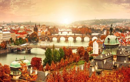 Pont de novembre : vols + hôtel, week-ends 5j/4n à Rome, Prague...