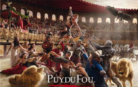 Puy du Fou & Cinéscénie : week-end 2j/1n en résidence + entrées parc & spectacle, dispos été, - 35%