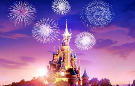 Disneyland® Paris : soirée spéciale Nouvel an, feu d'artifice, attractions, dîner...