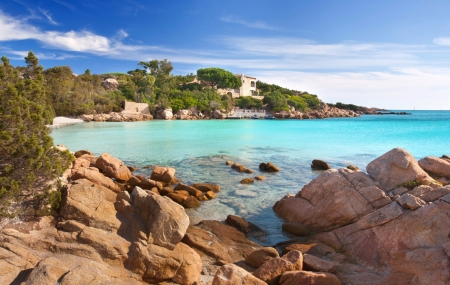 Sardaigne : vente flash, week-end 5j/4n en hôtel 4* + demi-pension + vols, - 47%