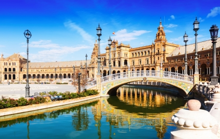 Andalousie : vente flash, combiné 8j/7n en hôtels 4* + petits-déjeuners & vols, - 73%