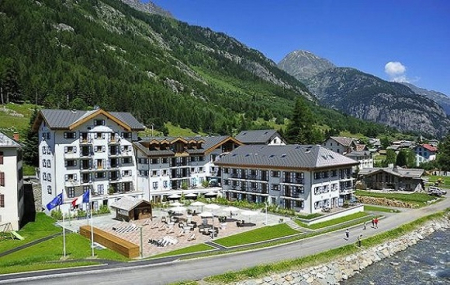 Chamonix, mai : week-end 2j/1n ou plus en résidence 5* + accès spa