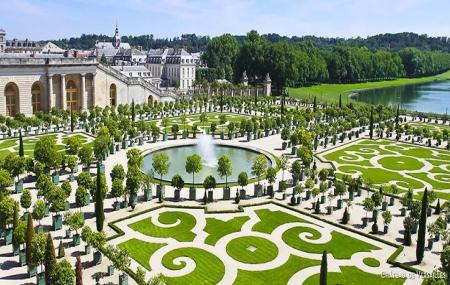 Versailles week end 2j 1n en appart 39 h tel petit for Appart hotel week end