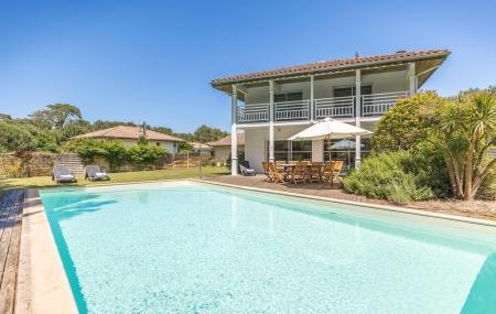 Villas avec piscine : location 8j/7n en résidence, jusqu'à - 54%