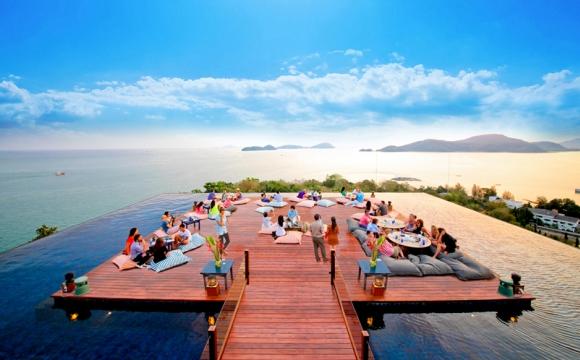 Les 10 plus beaux bars sur la plage - Baba Nest Phuket